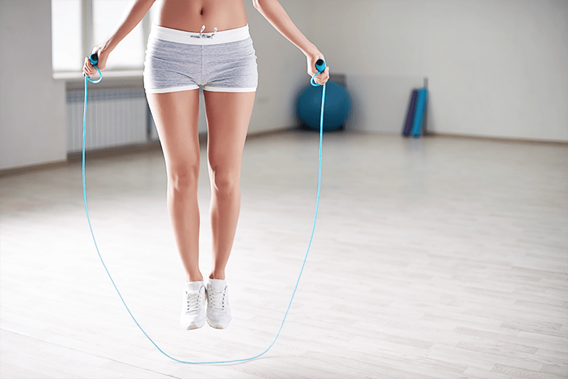 Young woman doing a jumprope workout