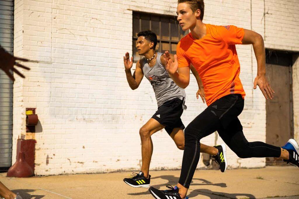 2 runners s'entraînent pour une course écolo