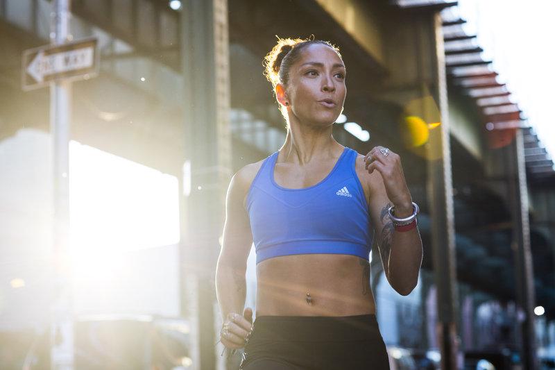 Laufen im Sommer >> Die besten Tipps!