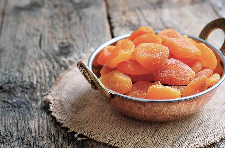 Les fruits secs contiennent plus de sucre concentré