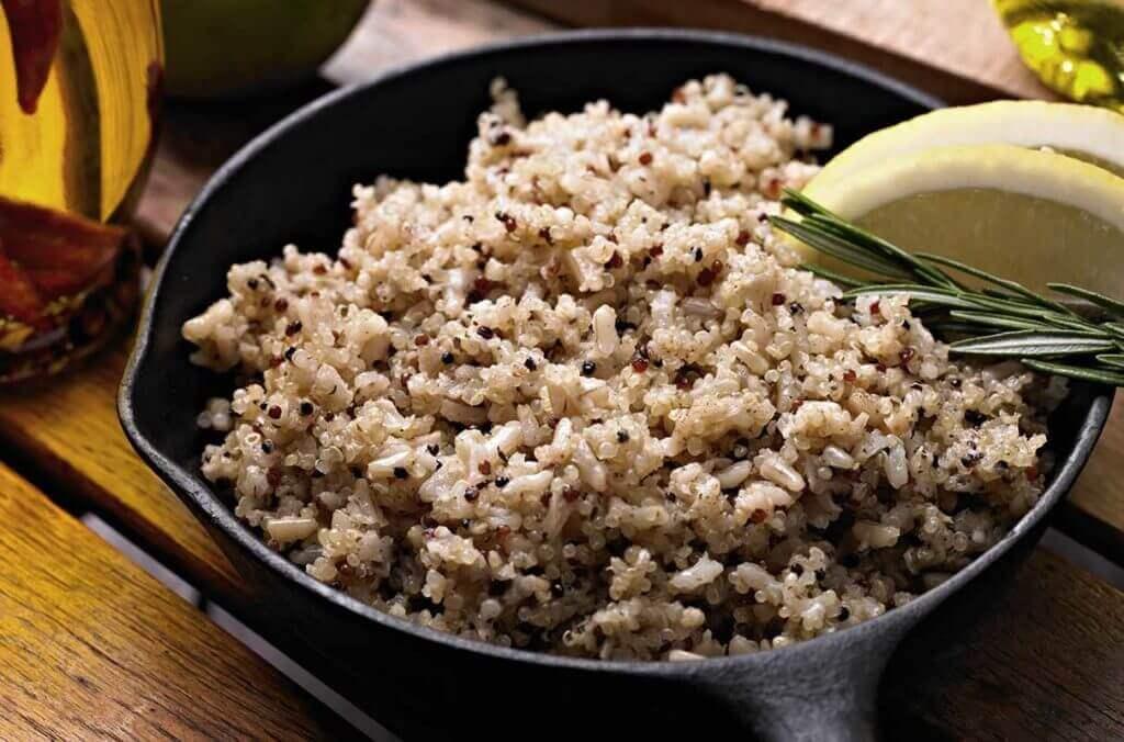 la quinoa è ricca di proteine