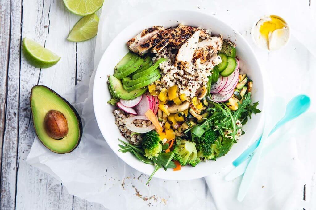 L'infiammazione si combatte a tavola: ecco gli alimenti antinfiammatori per eccellenza