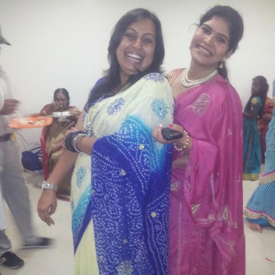 Zwei indische Frauen in indischen Gewändern