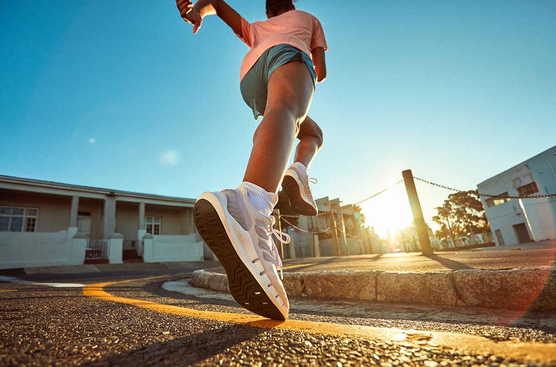 Un runner sous le soleil