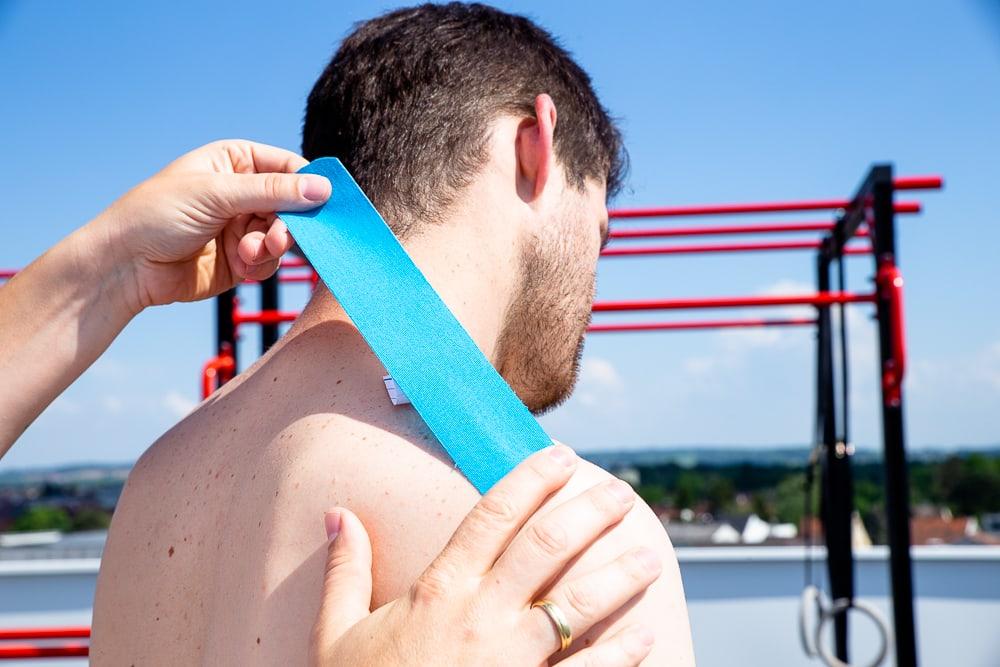 Nackenprobleme taping