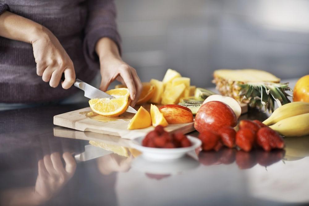 couper des fruits en quartiers