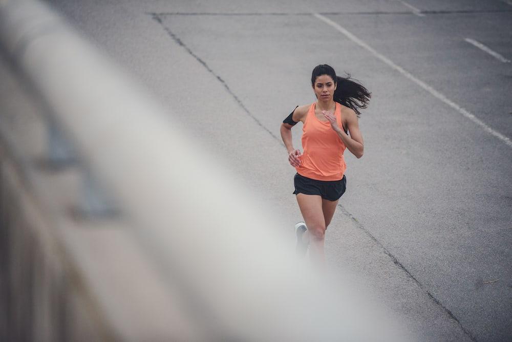 Une femme qui coure