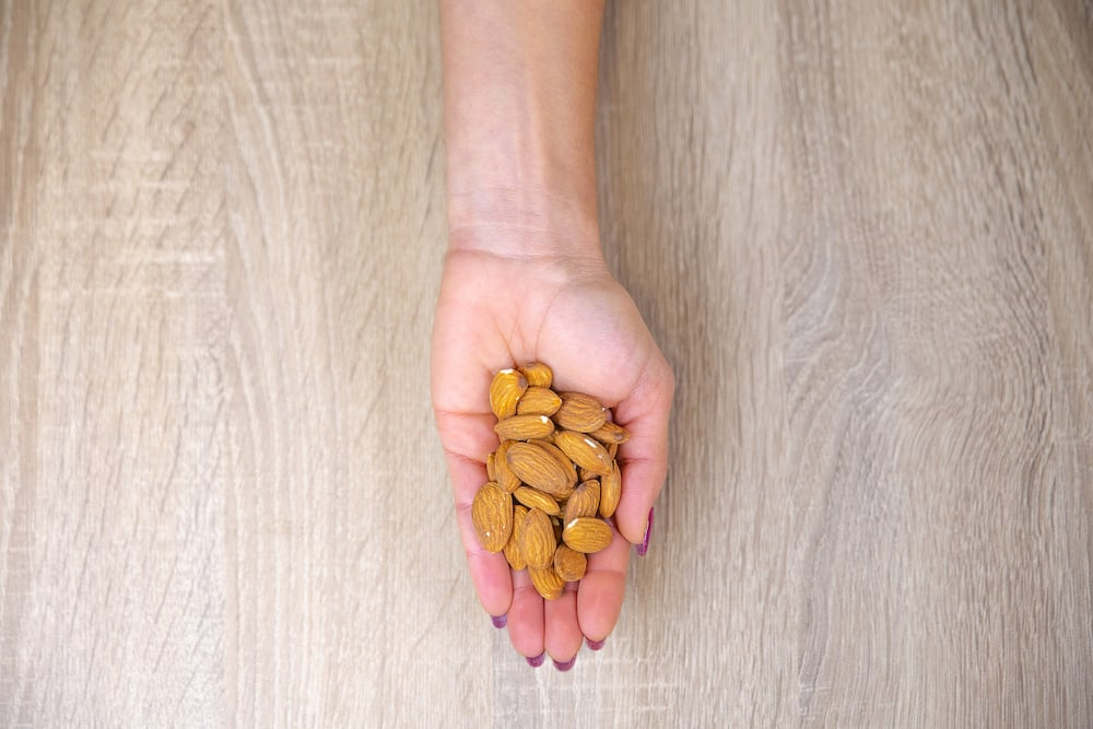 Almonds portion size
