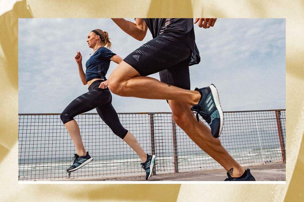 Pessoas correndo na rua para quebrar recordes pessoais usando o app adidas Running premium