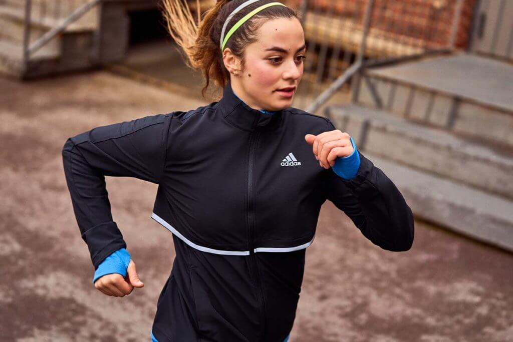 woman runninglkö