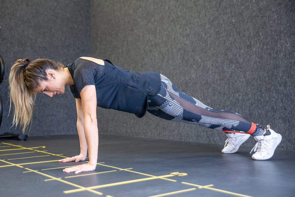 High Plank Leg Lift RB