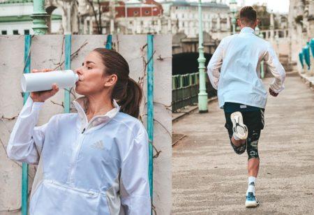 Mujer bebiendo agua antes correr y hombre corriendo al aire libre