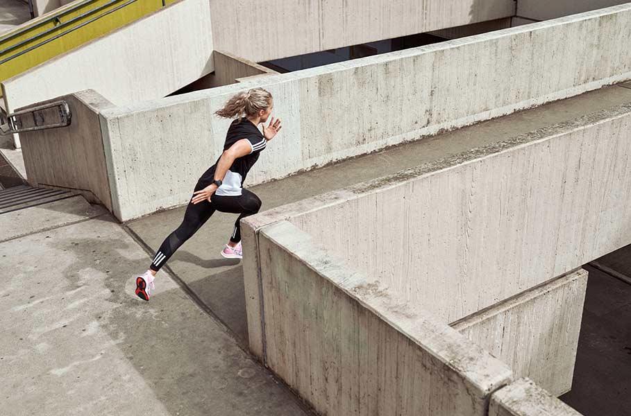 Runner corre in città