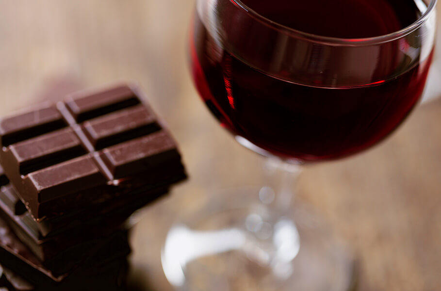 Vin et chocolat peuvent causer des maux de tête