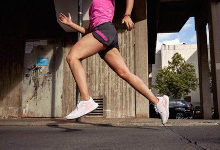 runner cerca di ottimizzare il tempo di contatto con il suolo