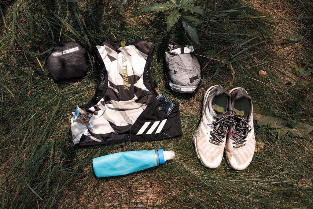 Kit essencial para corrida em trilhas de Timothy Olson